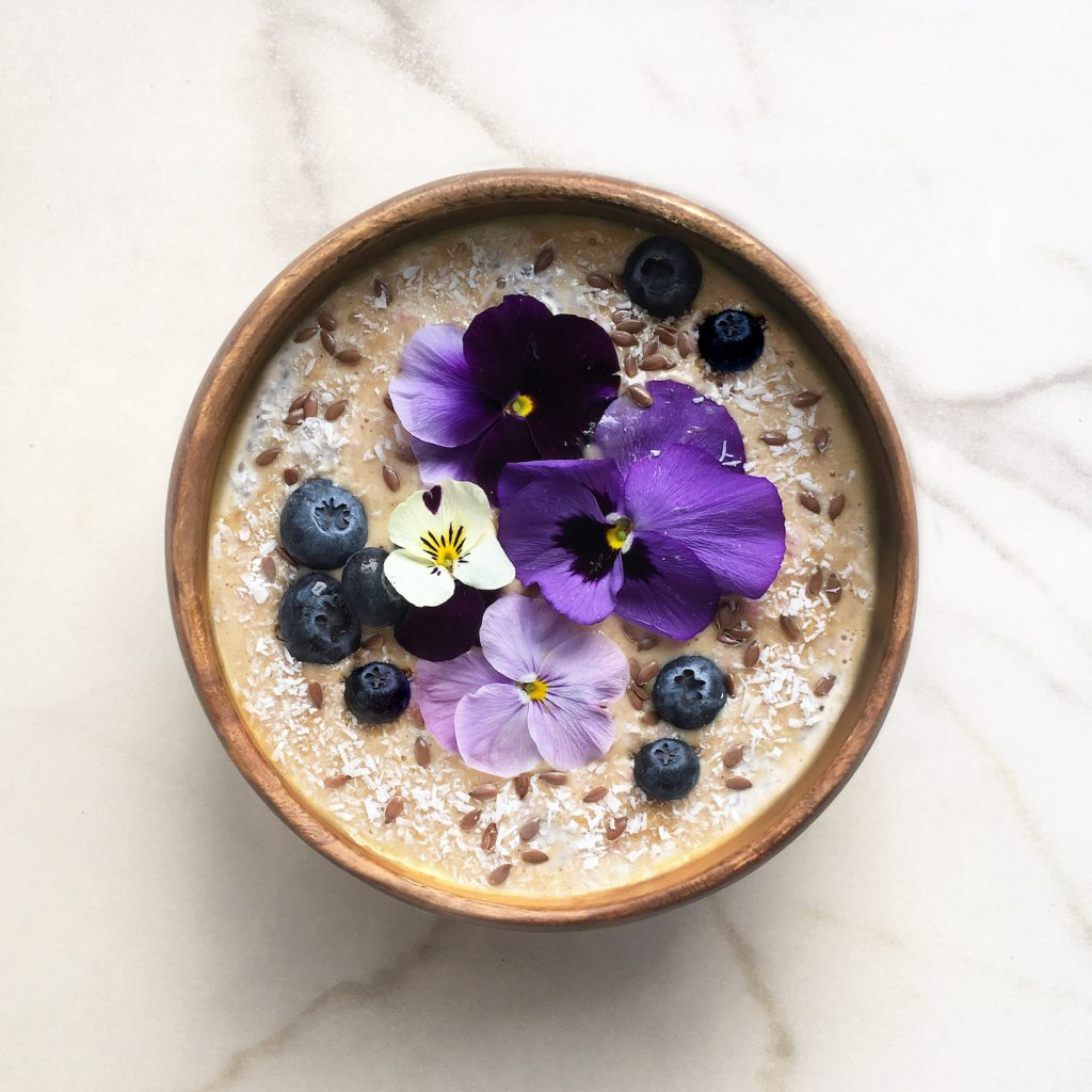 Healthy breakfast peanut butter overnight oats