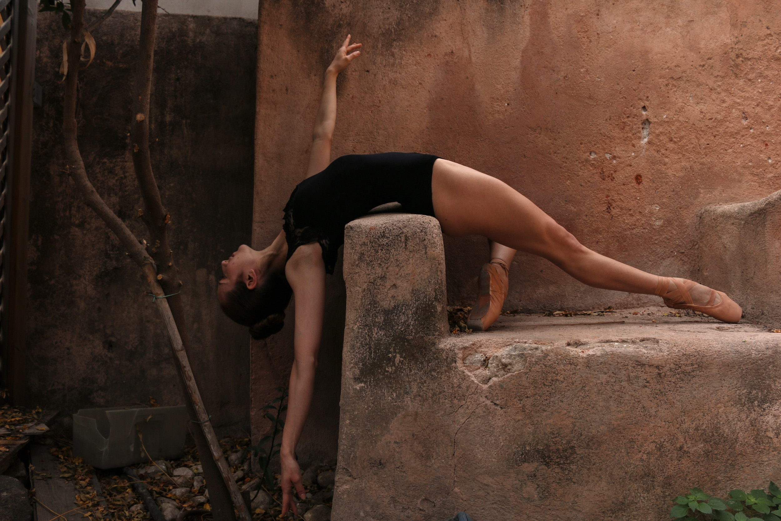 liel anapolsky unsplash woman doing ballet